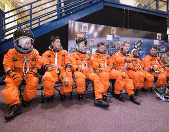 Astronautas da missão STS-120.