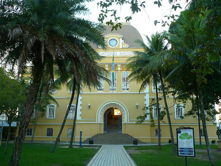 """Observatório Nacional do Rio de Janeiro, CNPq, MCT. Prédio onde funciona o """"Museu de Astronomia e Ciências Afins"""", fundado por Mourão em 1984 e inaugurado em 8 de março de 1985."""